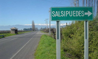 Road sign directing to Salsipuedes